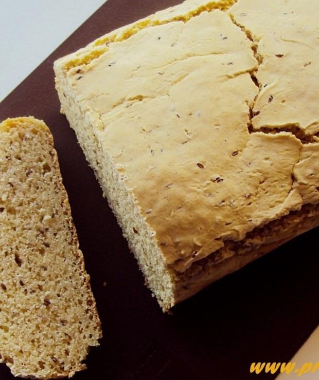 Chleb z mąką łubinową i z nasionami płesznika (bez glutenu) - Chleby