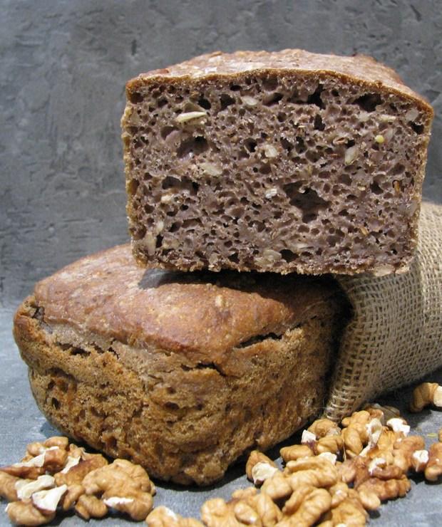chleb z ORZECHAMI pszenno-żytni na zakwasie - Chleby