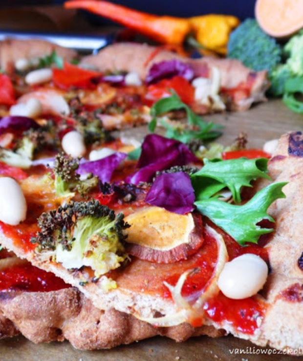 Warzywna pizza na pełnoziarnistym cieście  - Pizza i calzone