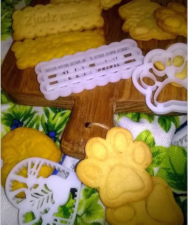 Kruche ciasteczka na weekendowe smutki córeczki - Ciastka