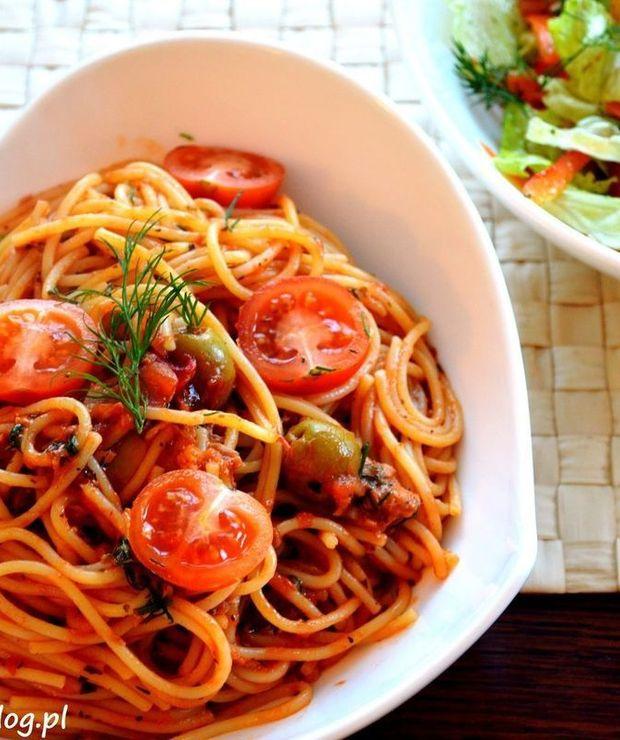 Spaghetti alla puttanesca - Tuńczyk