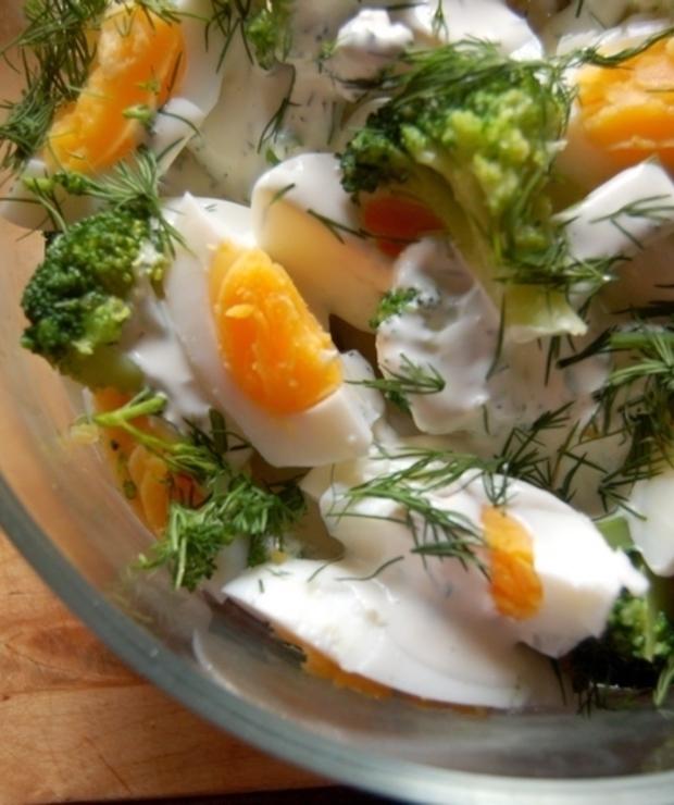 Ekspresowa , ale zdrowa ,sałatka z brokułem , doskonała kolacja - Na zimno