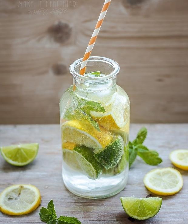 Woda kokosowa z cytryną, limonką i miętą - Zimne