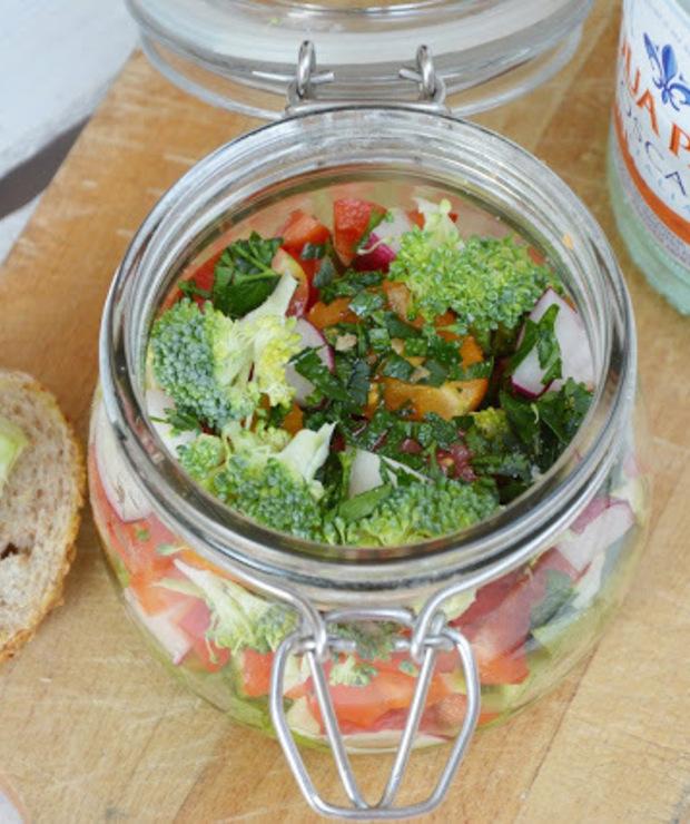 Sałatka z kolorowymi pomidorkami - Surówki