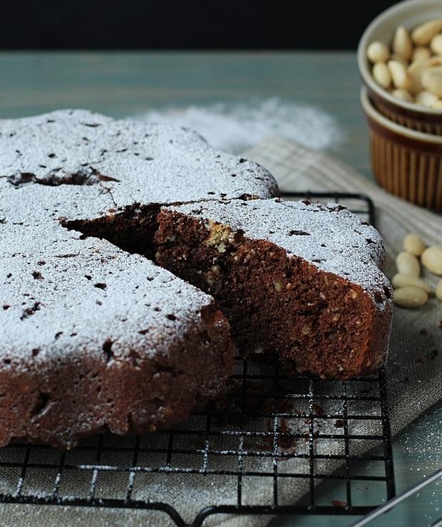 Ciasto czekoladowe z migdałami… - Ucierane
