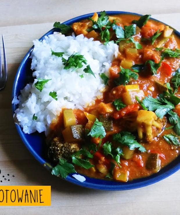 Paprykowe curry z cukinią  - Jarskie