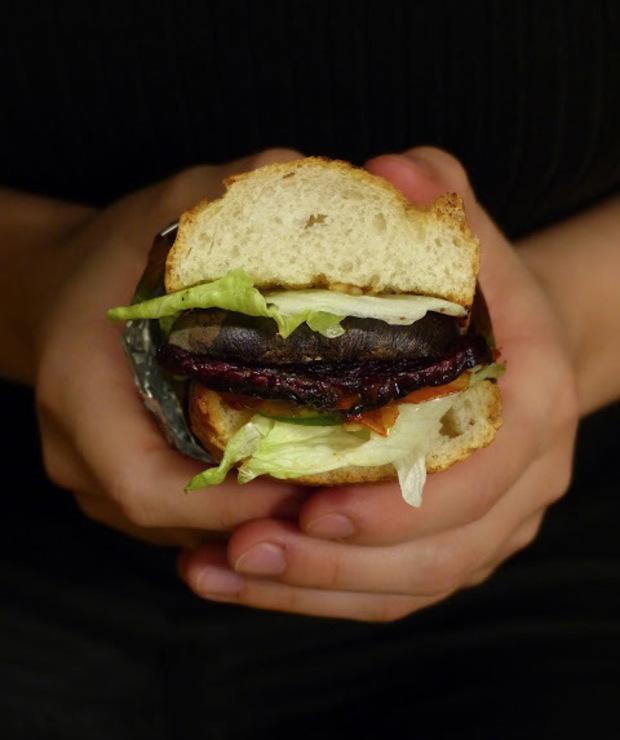 Pomysły na kanapki- Mini bagietka z czosnkowym masełkiem i pieczonym burakiem - Kanapki i tosty