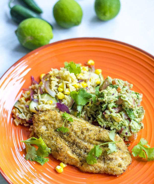 Kurczak po meksykańsku z ryżem, warzywami i guacamole - Drób