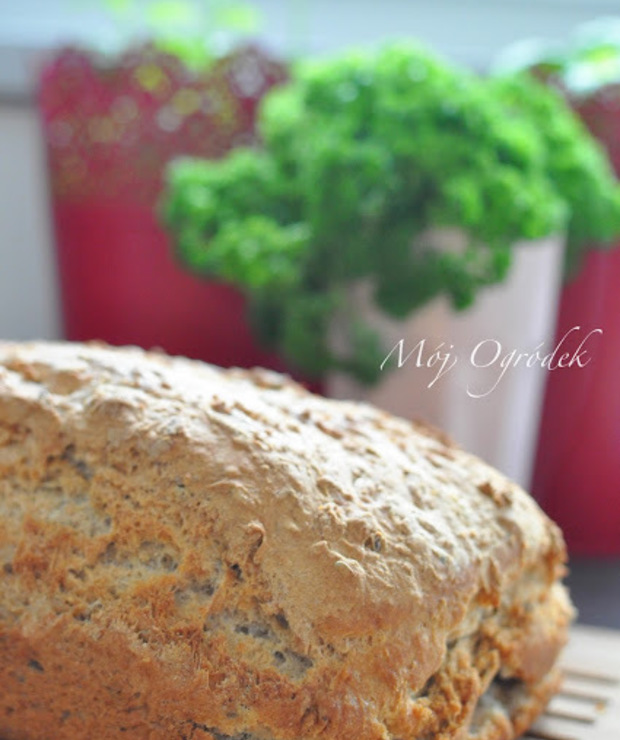Chleb z płatkami owsianymi. - Chleby