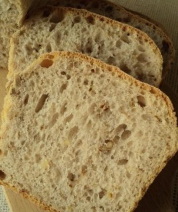 Chleb z orzechami - Chleby
