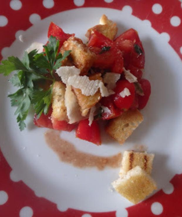 Panzanella ( toskańska sałatka chlebowa) - Jarskie
