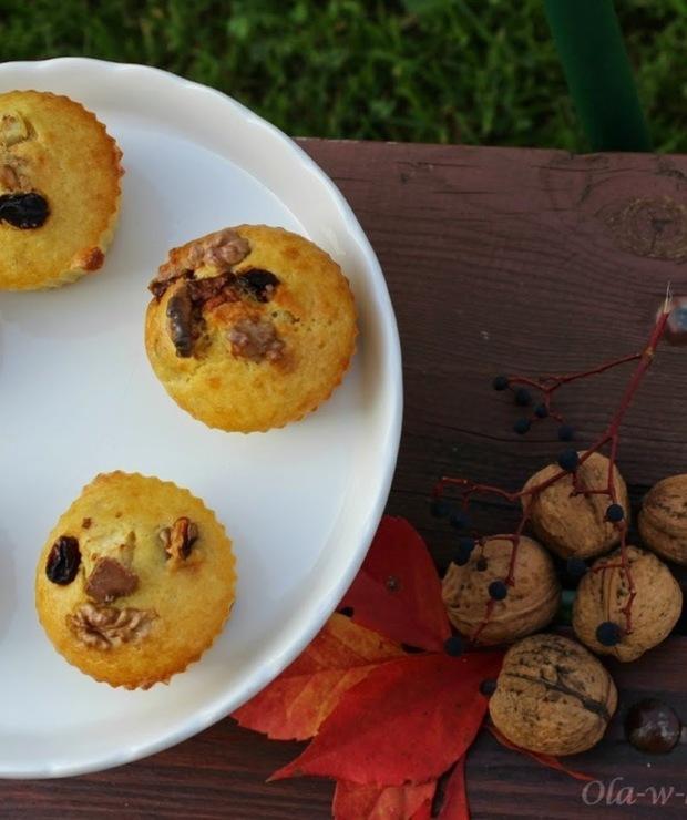 Muffinki z czekoladą, orzechami i rodzynkami - Muffiny i babeczki