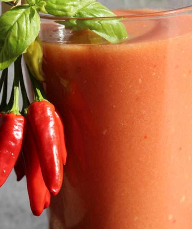 pomidory + ogórki + czosnek + ocet jabłkowy + sól himalajska + chili - Zimne