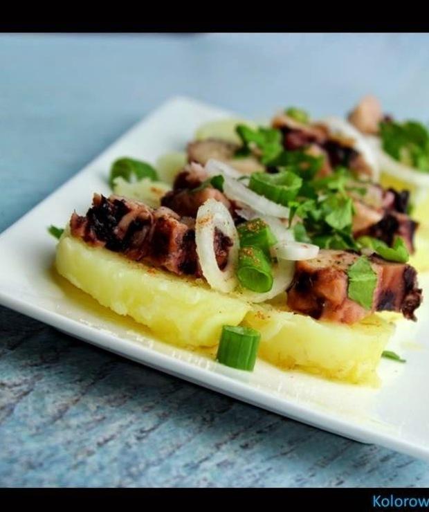 Sałatka z ośmiornicą i młodymi ziemniakami - Surówki
