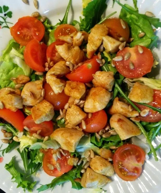 Szybka sałatka z kurczakiem - Mięsne