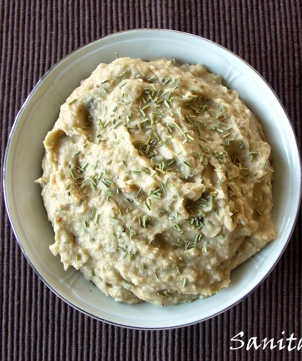 Pasta z białej fasoli z pieczonym czosnkiem i rozmarynem - Pasty do chleba