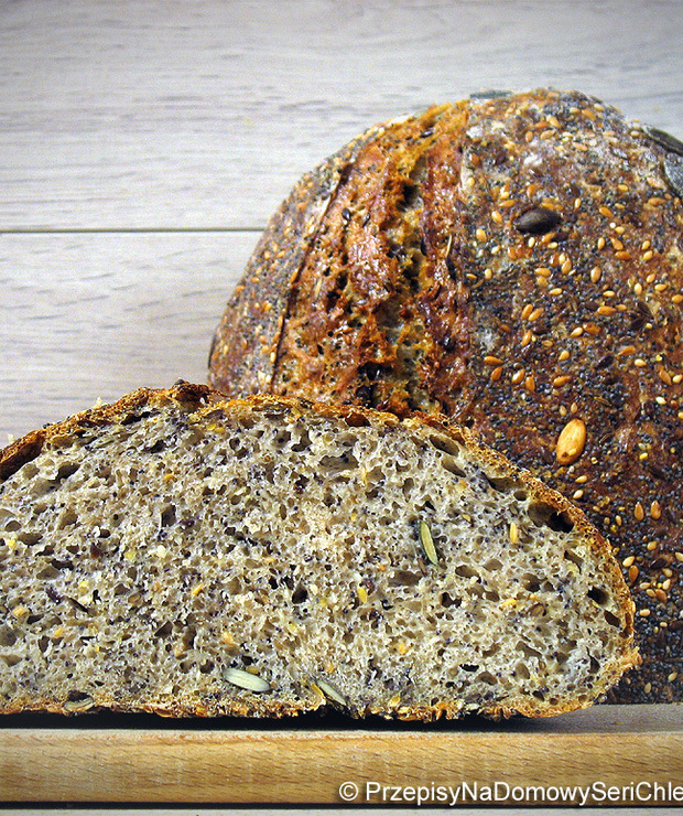 Chleb pszenno-żytni wieloziarnisty na zakwasie  - Chleby