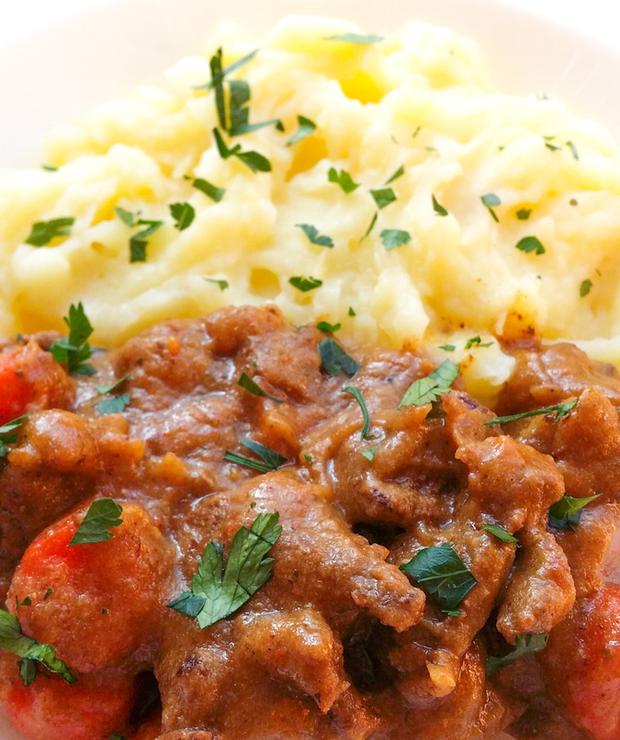 gulasz wołowy z lekkim puree - Wołowina
