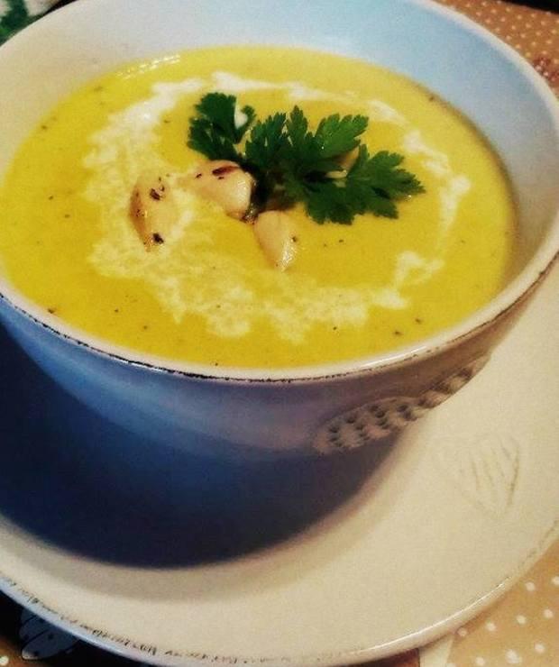 Rozgrzewająca zupa krem z kukurydzy - Kremy