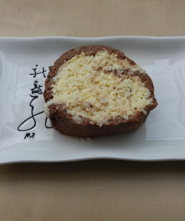 Rolada kakaowo-kokosowa bez pieczenia - Bez pieczenia