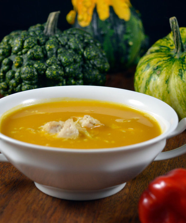 Zupa dyniowa z wiórkami kokosowymi - Z mięsem