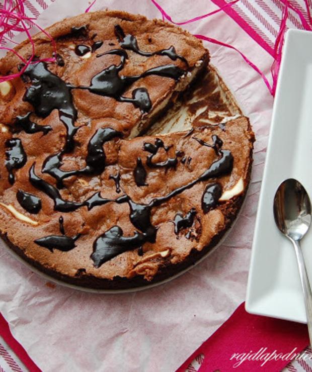 Ciasto serowo-kakaowe z orzechami - Ucierane