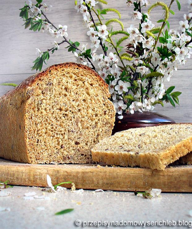 Chleb tostowy z ziarnami i nasionami chia - Chleby