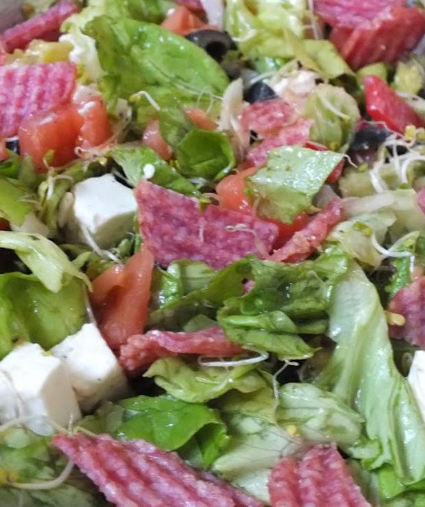 Sałatka z chipsami salami - Mięsne