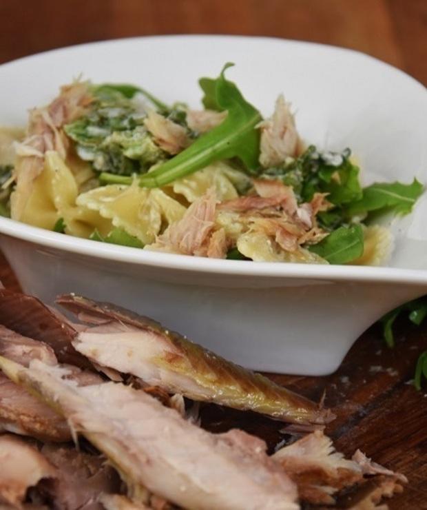 Makaron z wędzoną makrelą - Dania z makaronu