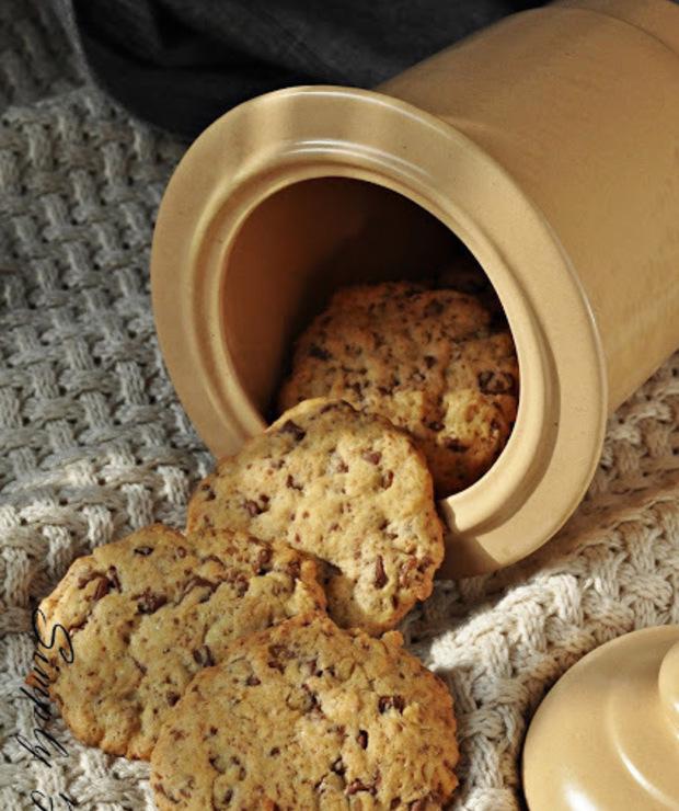 Ciasteczka a'la pieguski z czekoladą i orzechami - Ciastka